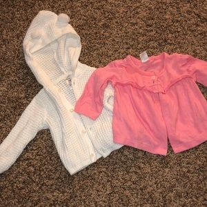2 sweaters/cardigans